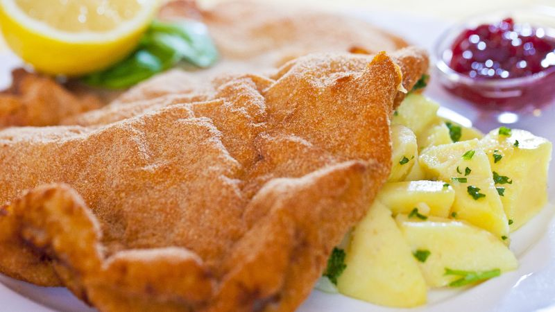800x450 Crunchy pan fried veal cutlet